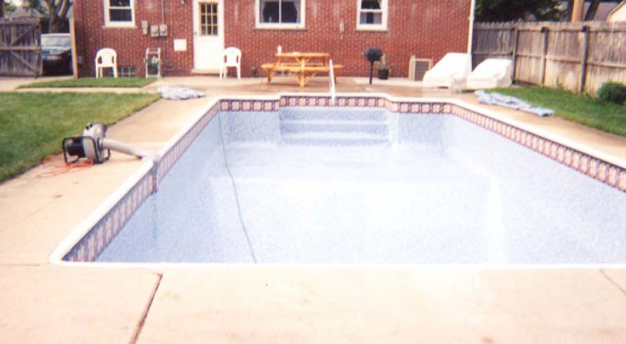 Livonia, MI. Pool Liner Repair Thomas Pool Service